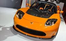 Le roadster Tesla se refait une beauté