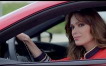 L'actrice Mar Saura rend la Lexus LC500 encore plus séduisante