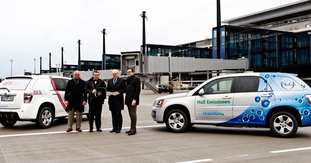 Opel  - L'Opel Hydrogen4 entre en service aux aéroports de
