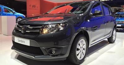 Mondial Auto 2014 : Dacia Sandero Black Touch, presque statutaire