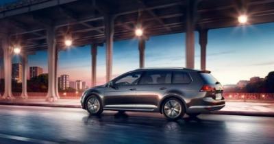 Volkswagen Golf SW et Sharan Allstar: le plein d'équipements connectés
