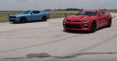 Challenger Hellcat vs. Camaro HPE750 : près de 1500 ch pour une dragrace