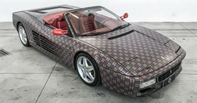 Ferrari 512 TR par Garage Italia Customs: le toit s'en va, le tartan écossais s'invite