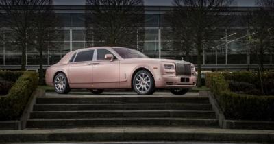Rolls-Royce dévoile la Sunrise Phantom Extended Wheelbase