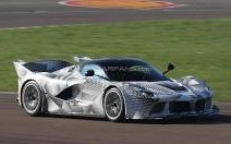Ferrari teste la LaFerrari XX à Fiorano