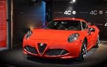 L'Alfa 4C de passage à Paris au MotorVillage