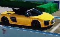 L'Audi R8 V10 Spyder, aussi à l'aise sur la route que sur le circuit