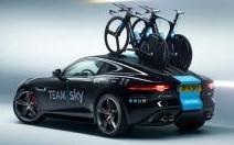 Une F-Type d'assistance au Tour de France !