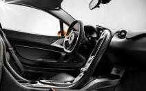Trois photos de l'habitacle de la McLaren P1