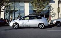 Le parking automatique : gadget ou véritable atout ?