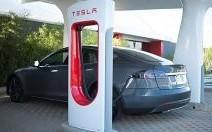 Les premiers ''Superchargeur'' de Tesla arrivent en France
