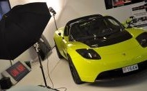 Tesla Roadster : il électrise le salon