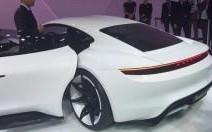 Porsche Mission E: bientôt une baby-Panamera 100% électrique?
