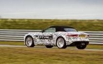 La Jaguar F-Type à l'épreuve sur circuit et sur route