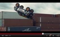 Un Français ose le premier ''backflip'' en auto à bord d'un Mini Countryman