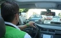 La vie à bord d'un véhicule officiel du Tour de France