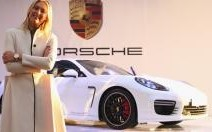 Maria Sharapova nous présente sa Porsche Panamera GTS