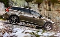 Volvo V60 Cross Country : le break suédois s'équipe en baroudeur