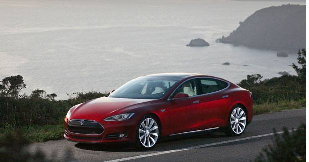 Tesla va commencer à livrer en juin son modèle S