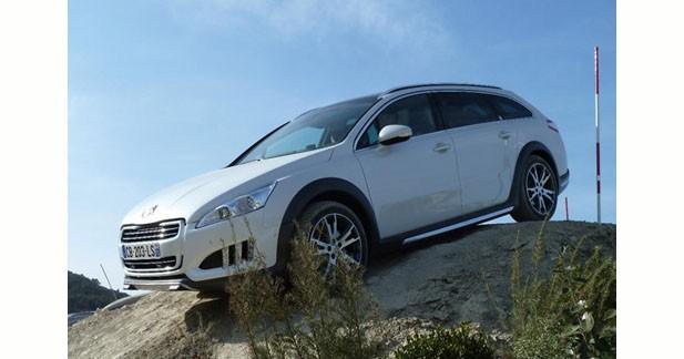 Le Peugeot 508 RXH se dévoile en off road