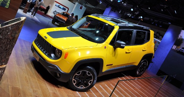 mondial auto 2014 jeep renegade. Black Bedroom Furniture Sets. Home Design Ideas