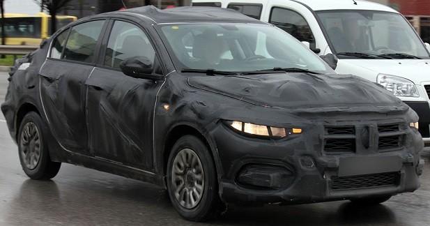 Fiat Linea: la remplaçante de la Punto tricorps se montre