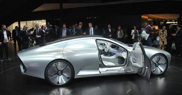 Mercedes Concept IAA: soucoupe filante