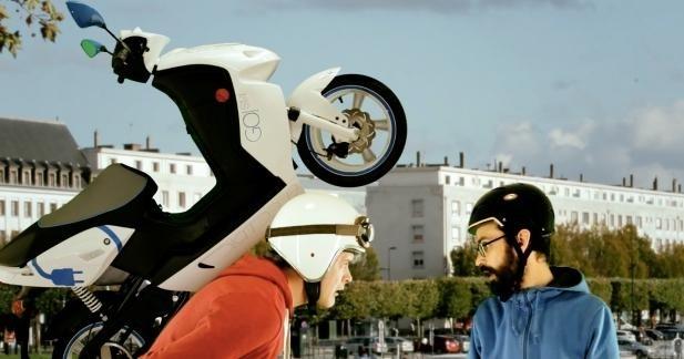 Vidéo : les aventures de Jimmy Govecs en scooter électrique