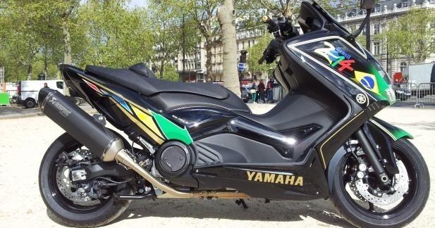 Yamaha T-Max Brasil par Patrick Pons : so foot !