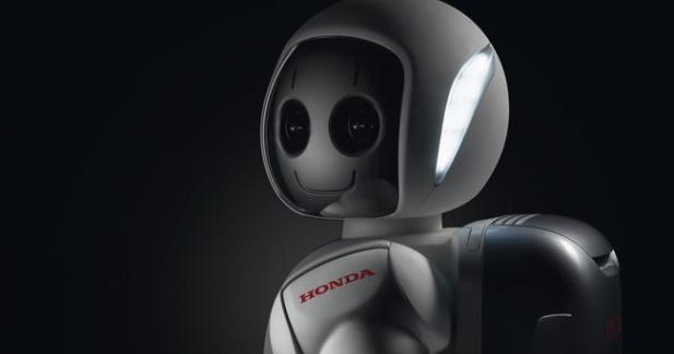 Asimo, le robot androïde de Honda toujours plus humain en vidéo !
