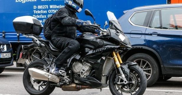 Nouveautés 2015 : BMW S 1000 RX, premières photos du nouveau maxitrail sportif