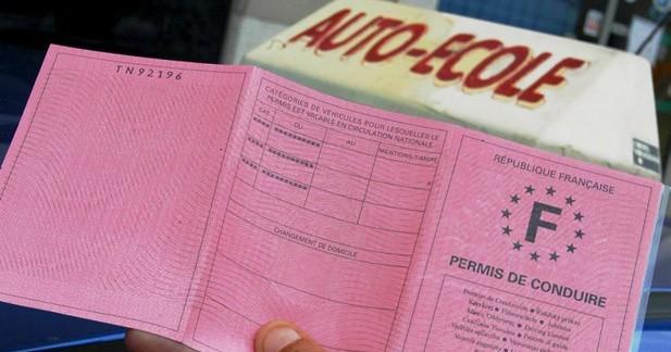 Insolite : après 42 ans sans permis, un conducteur percute une auto-école
