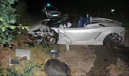 5 supercars détruites dans un accident !