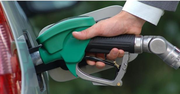 Carburants chers : les français réduisent leur consommation