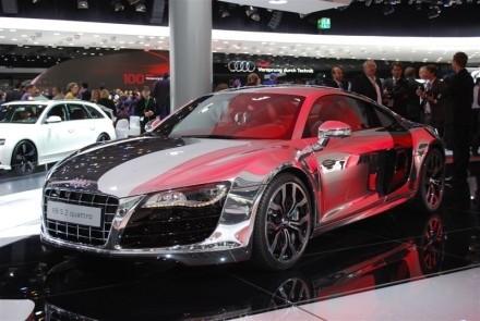 Audi r8 v10 miroir miroir qui est la plus belle for Miroir qui est la plus belle
