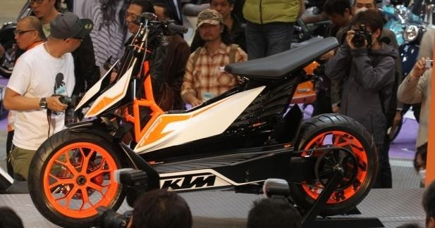 Avec E-Speed, KTM revient en scooter !