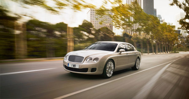 Bentley Flying Spur restylée et Speed : limousine musclée