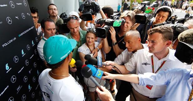 Trop de journalistes Web dans le paddock