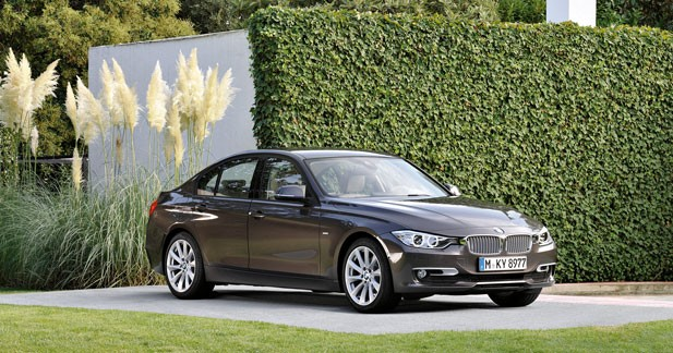 la bmw s rie 3 hybride pr sent e detroit. Black Bedroom Furniture Sets. Home Design Ideas