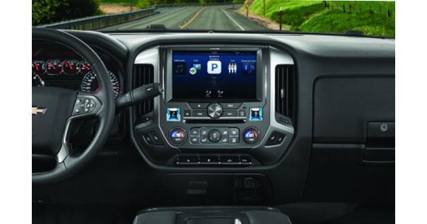 Alpine présentera le premier autoradio multimédia à écran de 10 pouces au CES 2016