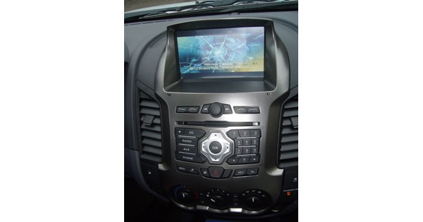 Replica Autoradio propose une station multimédia plug and play pour les Ford Ranger