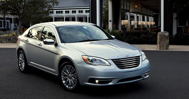 Chrysler 200 : Intérim assuré