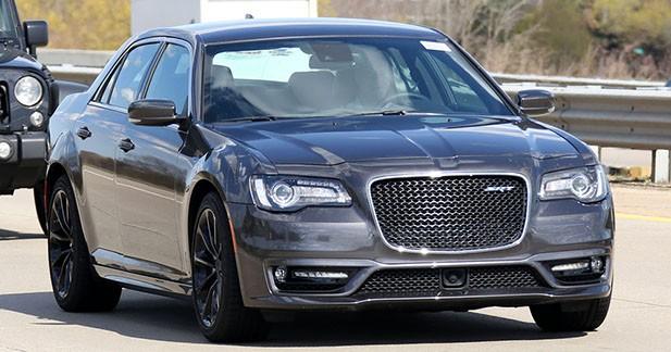 Spyshots : le retour de la Chrysler 300 SRT ?