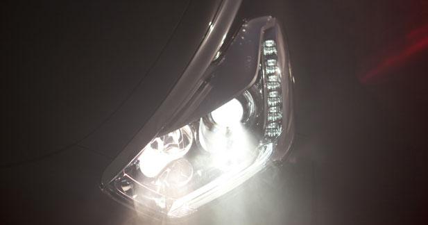 La Citroën DS5 commence son effeuillage