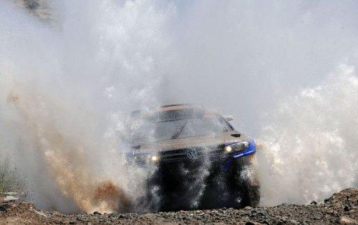 Le pilote qatari Nasser Al-Attiyah sur la 11e étape du Dakar en Argentine le 13 janvier 2011