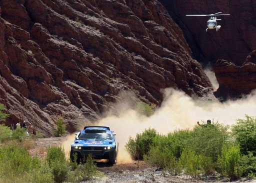 Dakar 2011: Coma prend la tête, Sainz contrôle