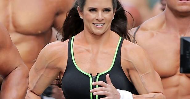 Danica Patrick est devenue accro à la ''gonflette'' pour le Super Bowl