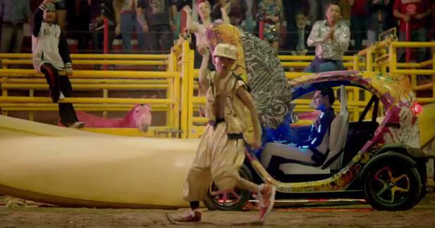 Le Twizy de retour dans un clip de David Guetta