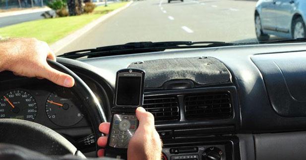 Téléphone au volant chez les pros : oui à des règles pour limiter les appels