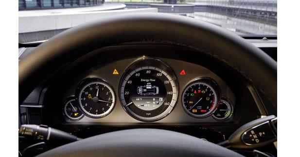Mercedes met le turbo sur l'hybride